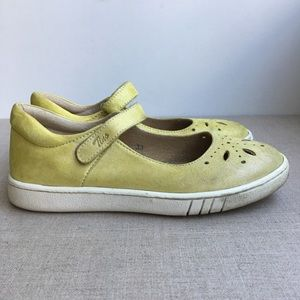 Tino Girl EU 33 Yellow Leather Mary Jane's Shoes
